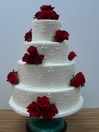 wedding cakes pictures four tier round red roses wedding cake. Black Bedroom Furniture Sets. Home Design Ideas