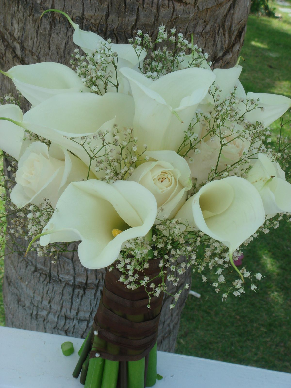 Wedding Flowers Roses And Lilies : Bouquet bridal white calla lilies roses and baby s