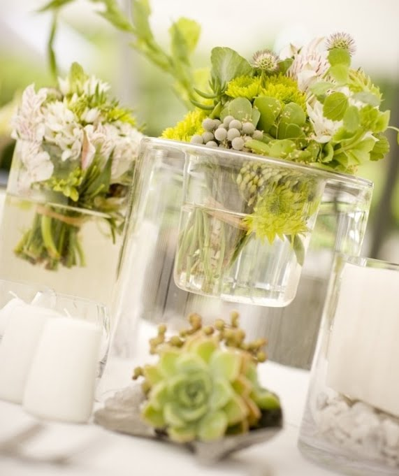bouquet bridal green and white wedding bouquet. Black Bedroom Furniture Sets. Home Design Ideas