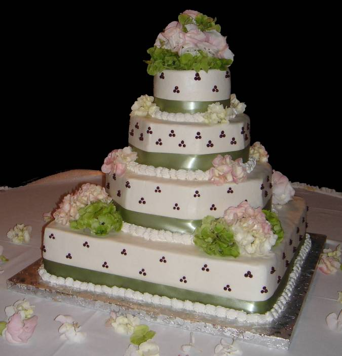 Wedding Cakes Pictures: Green and Pink Wedding Cakes