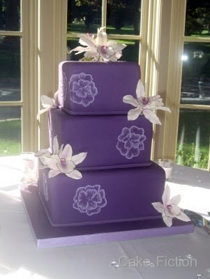 wedding cakes pictures dark purple wedding cakes. Black Bedroom Furniture Sets. Home Design Ideas