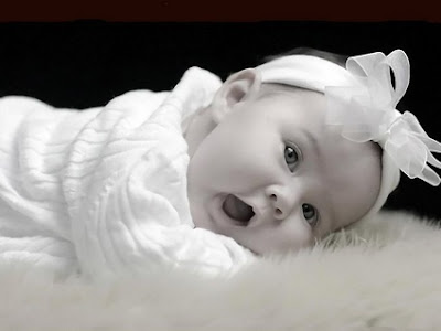 Cute little Baby Sweet Wallpaper