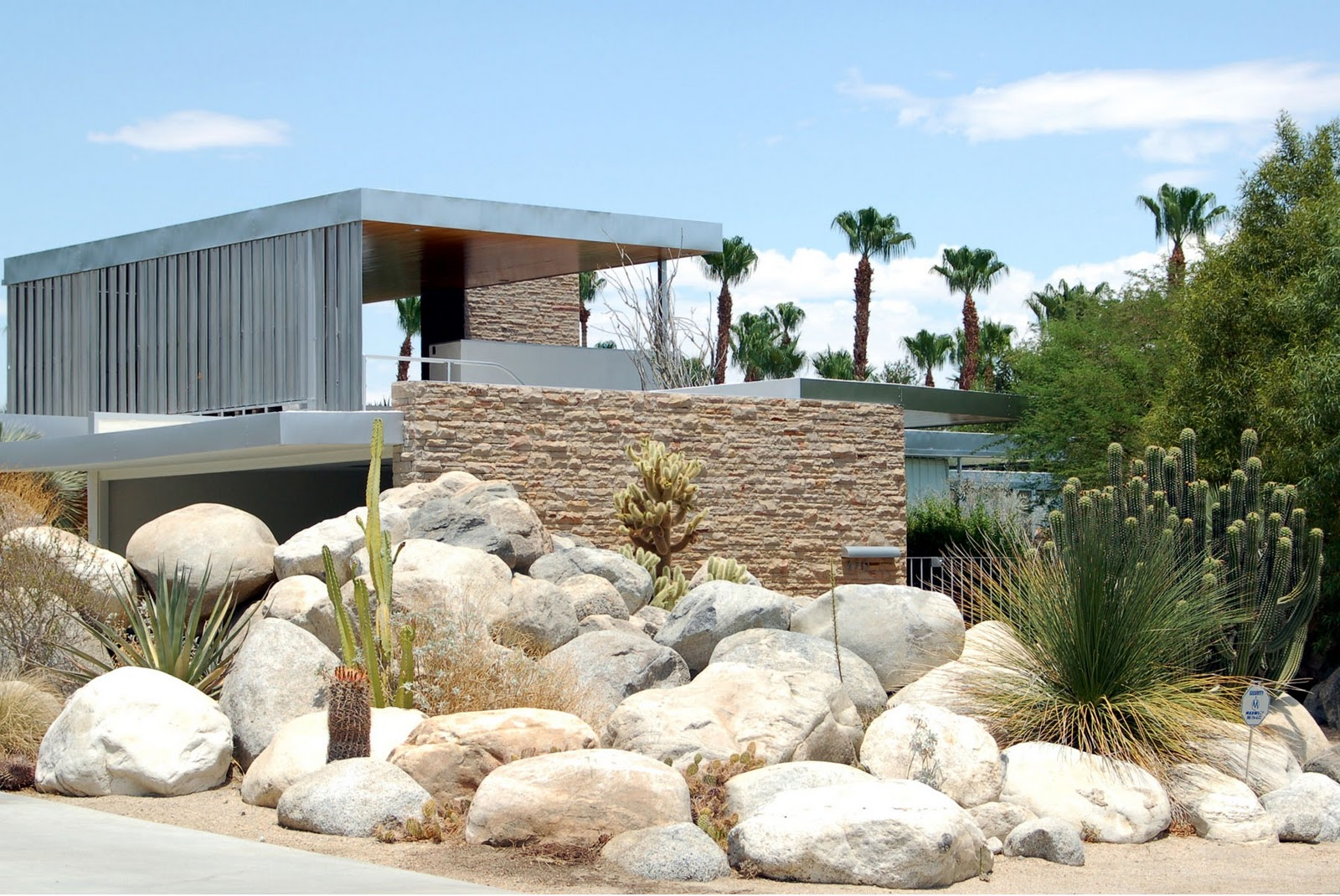 Landscaping ideas mid century modern design by Modern desert landscaping ideas