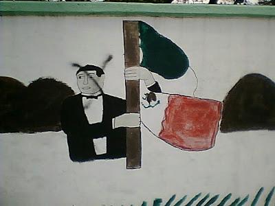Juárez bailando tubo y censurado por la sociedad