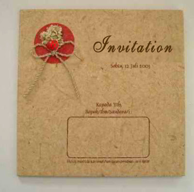 3D Wedding Invitations Made From Artistic Recycled Paper