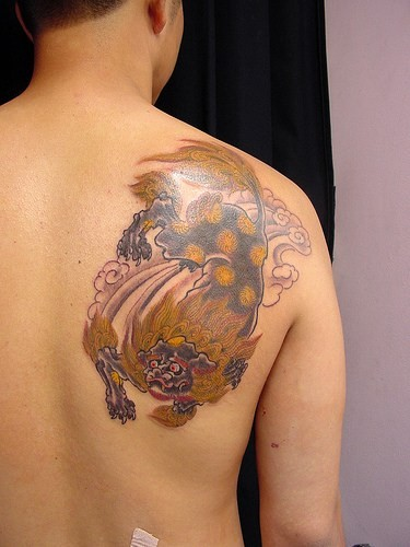 Sexy Hot Girl With Japanese Geisha Tattoo On Upper Back Body