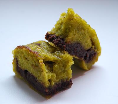 Gateau Surprise Chocolat Pistache Recipe — Dishmaps