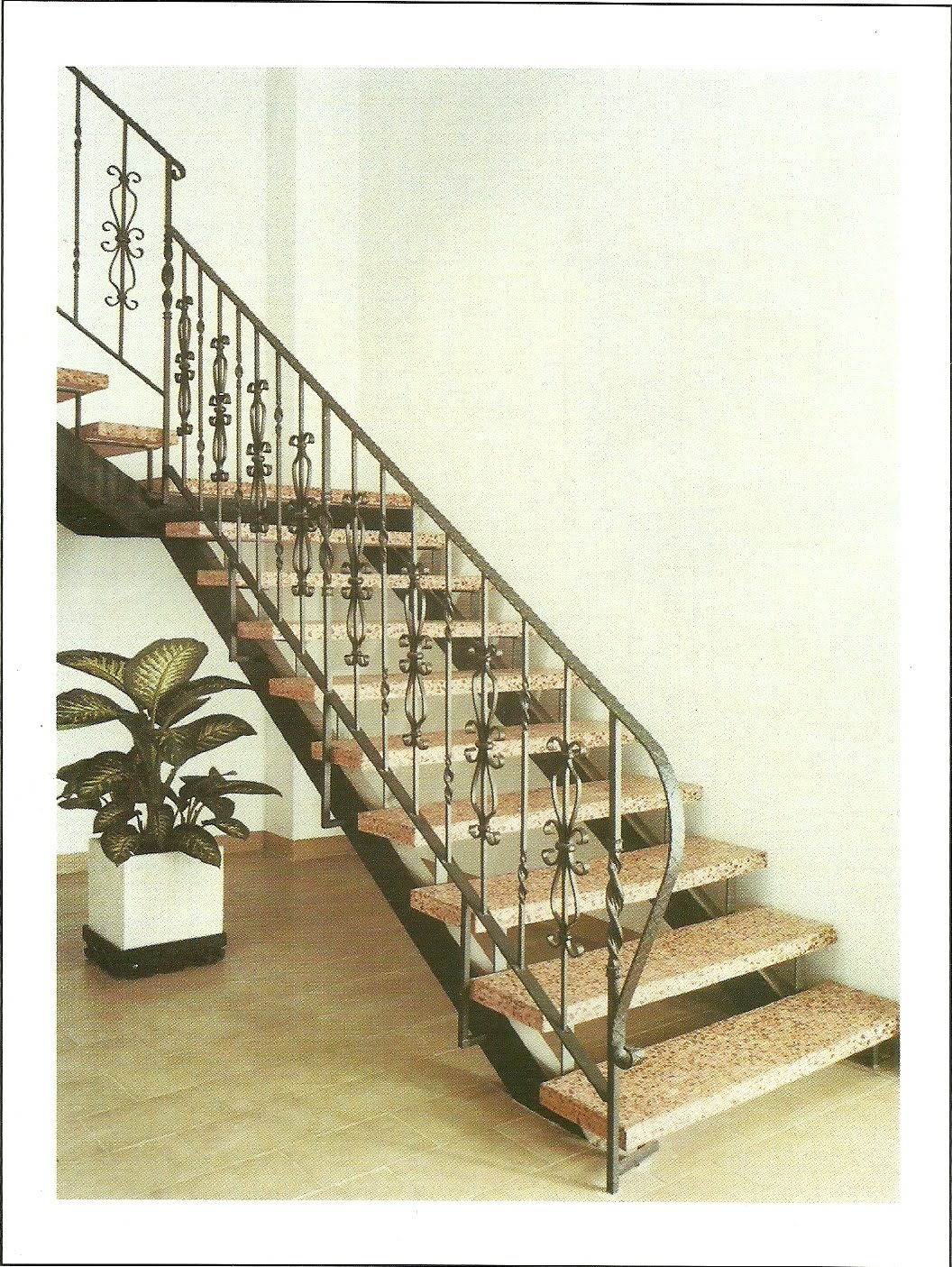 Instalaciones comerciales benidorm varandillas escaleras for Fotos de escaleras de herreria