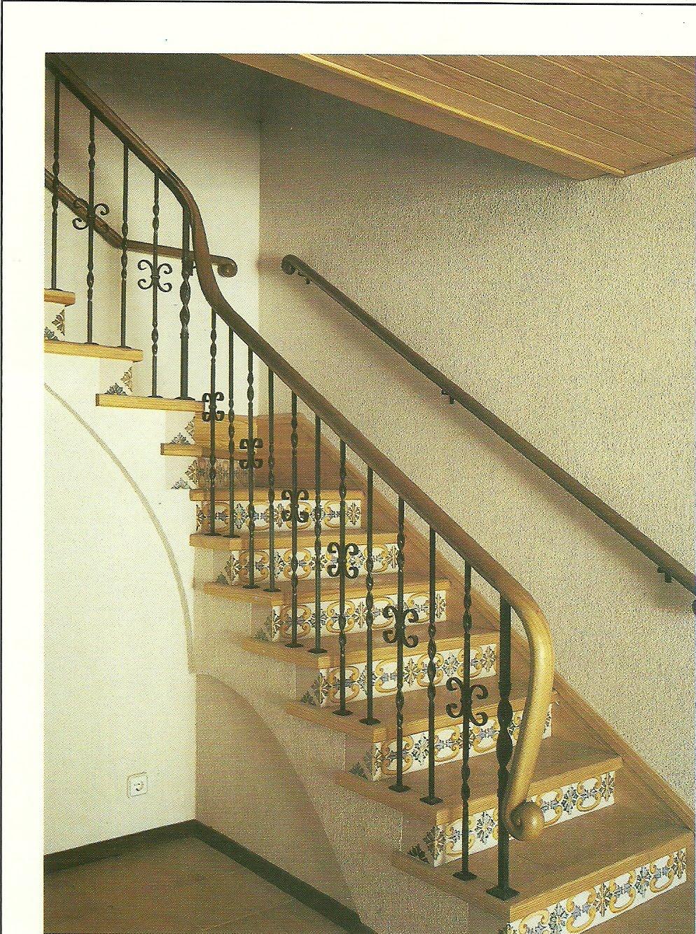 Instalaciones comerciales benidorm varandillas escaleras for Escalera hierro