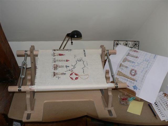 tout en croix m tier broder. Black Bedroom Furniture Sets. Home Design Ideas