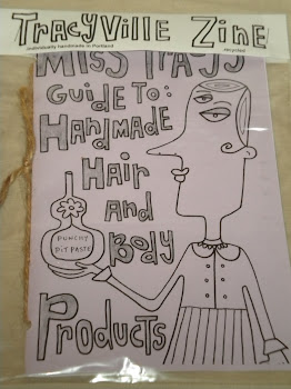 Miss Tracy&#39;s Guide To Handmade Hair &amp; Body Products [Zine]