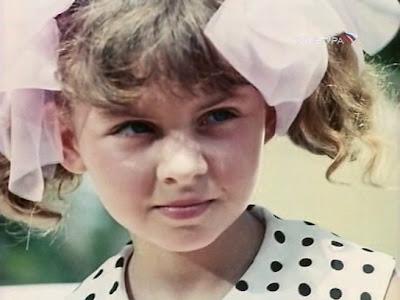 девочка с бантами - Елена Рябухина
