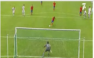 Un gol de penalti con el pie de apoyo