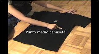 Doblar las camisetas rápido y sencillo