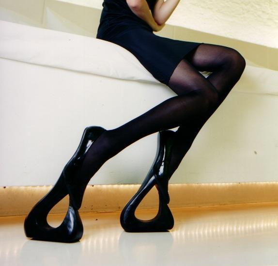 http://3.bp.blogspot.com/_UG6p4JLCY4o/Sw-oa5DWTeI/AAAAAAAAAKE/-jGR8Y8yKqE/s1600/high+heel+heeled+shoes+crazy+funny+wacky+bizarre.jpg