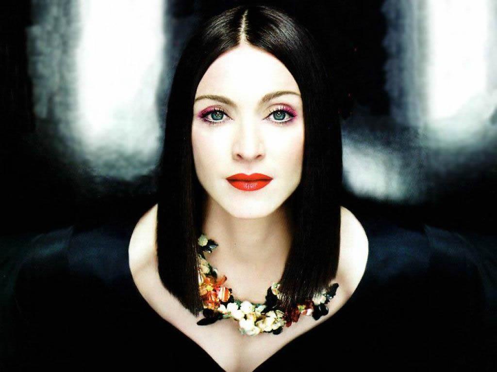 http://3.bp.blogspot.com/_UH6ejByfaBI/TMxzqt0augI/AAAAAAAAiIM/HYSqnV93EhQ/s1600/Madonna-AnotherDay.jpg