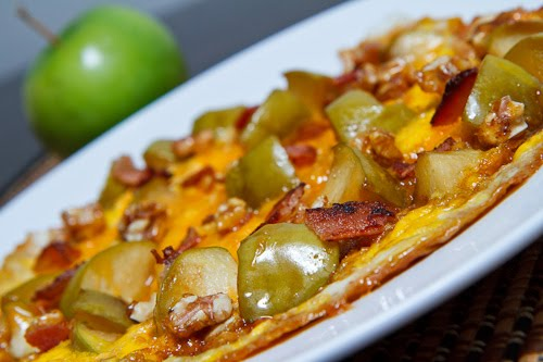 Caramelized+Apple+and+Cheddar+Omelette+with+Bacon+and+Candied+Walnuts+ ...