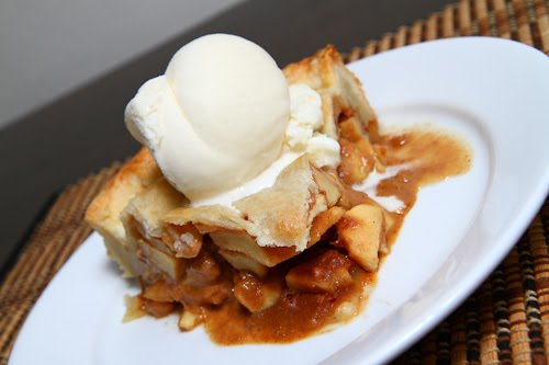 Dulce de Leche Apple Pie on Closet Cooking