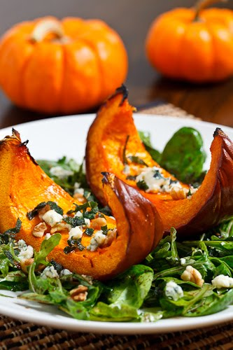 Caramelized Pumpkin and Gorgonzola Salad on Closet Cooking