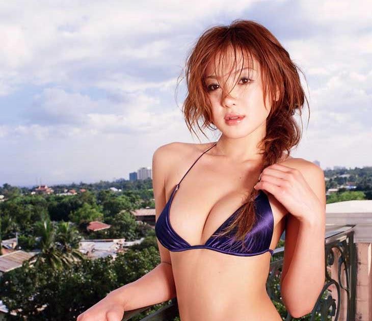 Hotties Asian Bikini Model  Tomomi Kudo Bikinis 2012