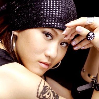 Hot Taiwanese Singer : Renee Chan