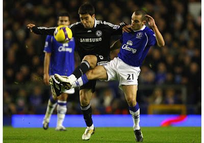 Deco of Chelsea battles for the ball with Leon Osman of Everton