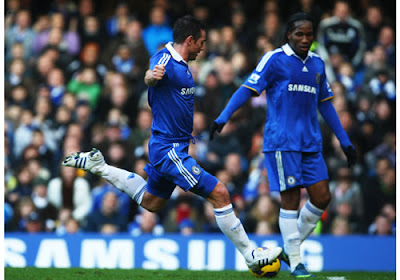 Frank Lampard of Chelsea scores their second goal