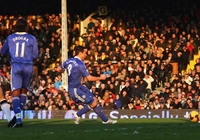 Frank Lampard of Chelsea fires in his team's first goal