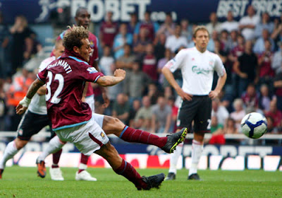 Alessandro Diamanti of West Ham United scores a penalty