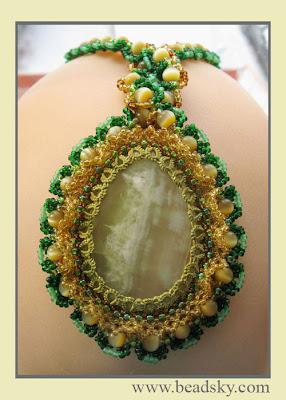украшения из бисера, кулон из бисера, ожерелье из бисера, воротник из бисера