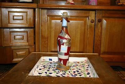 бутылки из кожи, декорирование бутылок кожей, изделия из кожи бутылки