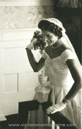 What Are They Wearing Now Jackie Kennedys Fabulous Wedding Dress