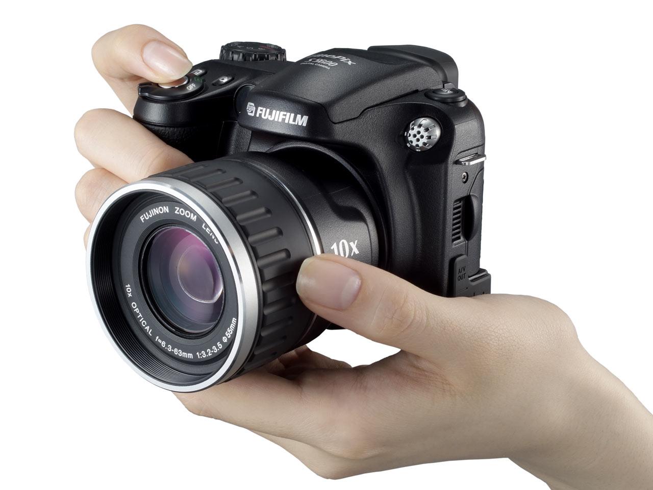 С украденных фотоаппаратов 1 фотография