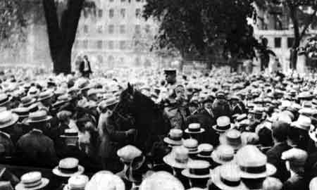 immigration executions in the case of sacco vanzetti Sacco's and vanzetti's execution elicited mass-protests in new york, london,   in addition to doubts about the fairness of their murder trial,  with the da  shouting at the italian immigrant while vanzetti shook his finger and.