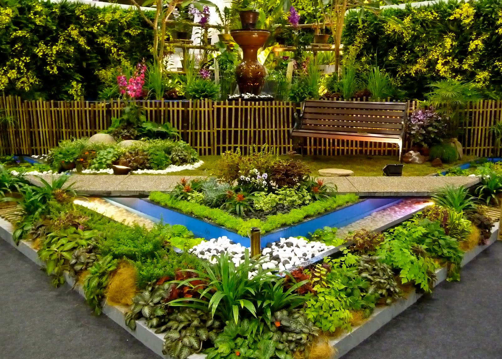 Good home ideas asia 39 s best garden and flower show returns for Flower garden designs