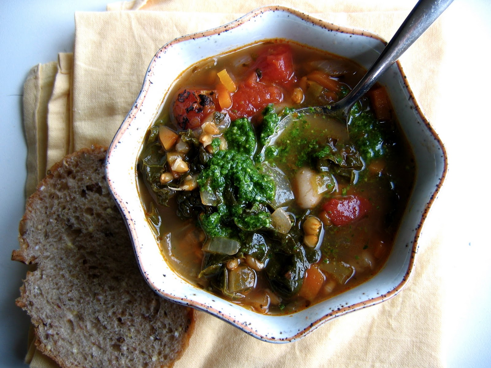 Vegetable Soup with Parsley Pesto Recipe foto