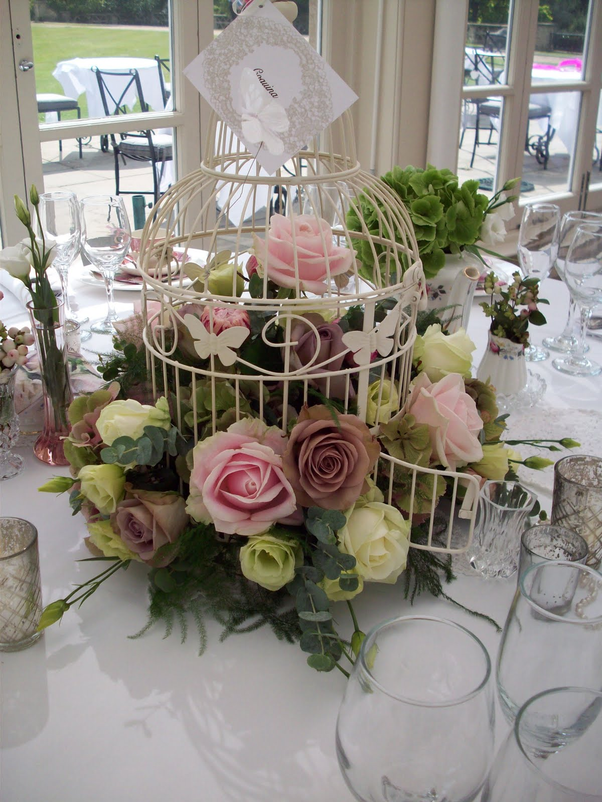 Florian designer florist wedding flower specialist - Decoracion fiestas vintage ...