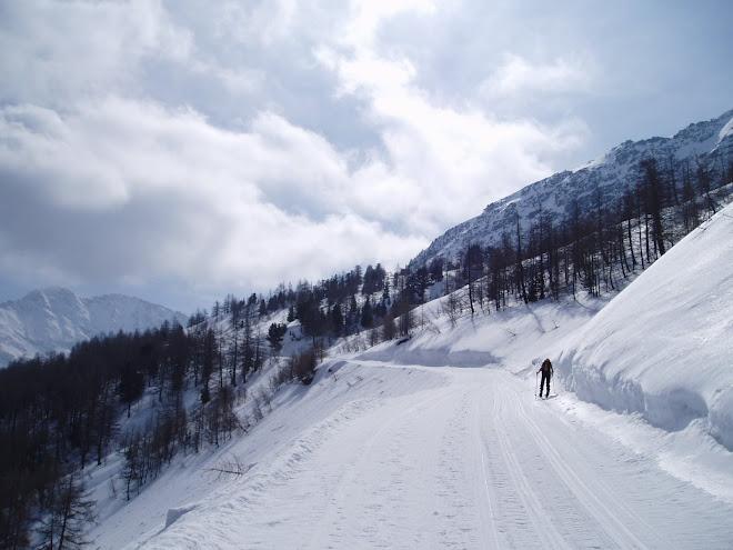 Sci Alpinismo nella valle del Piccolo San Bernaro