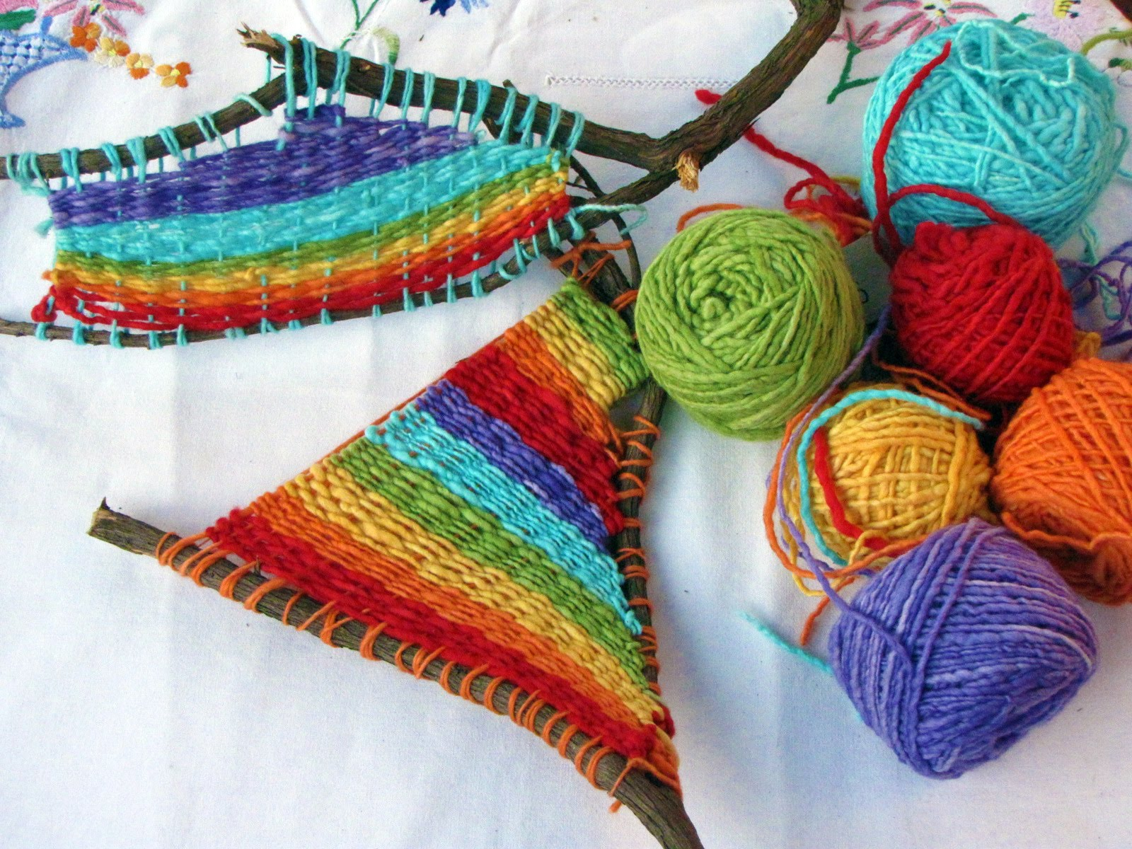 Weaving natural suburbia for Nature crafts for kids
