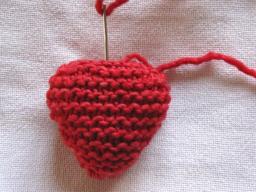 Valentine Heart Knitting Pattern, Tutorial - Natural Suburbia