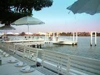 ร้านอาหารริมแม่น้ำเจ้าพระยา (Chao Phraya Restaurant)