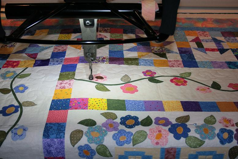Koolkats quilting blog: edge to edge quilting over applique