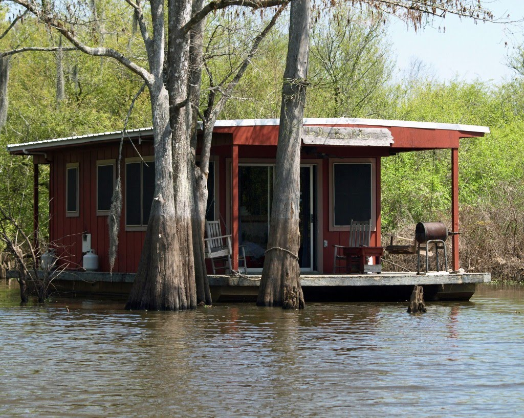 Image gallery swamp houseboats for Louisiana fishing camps