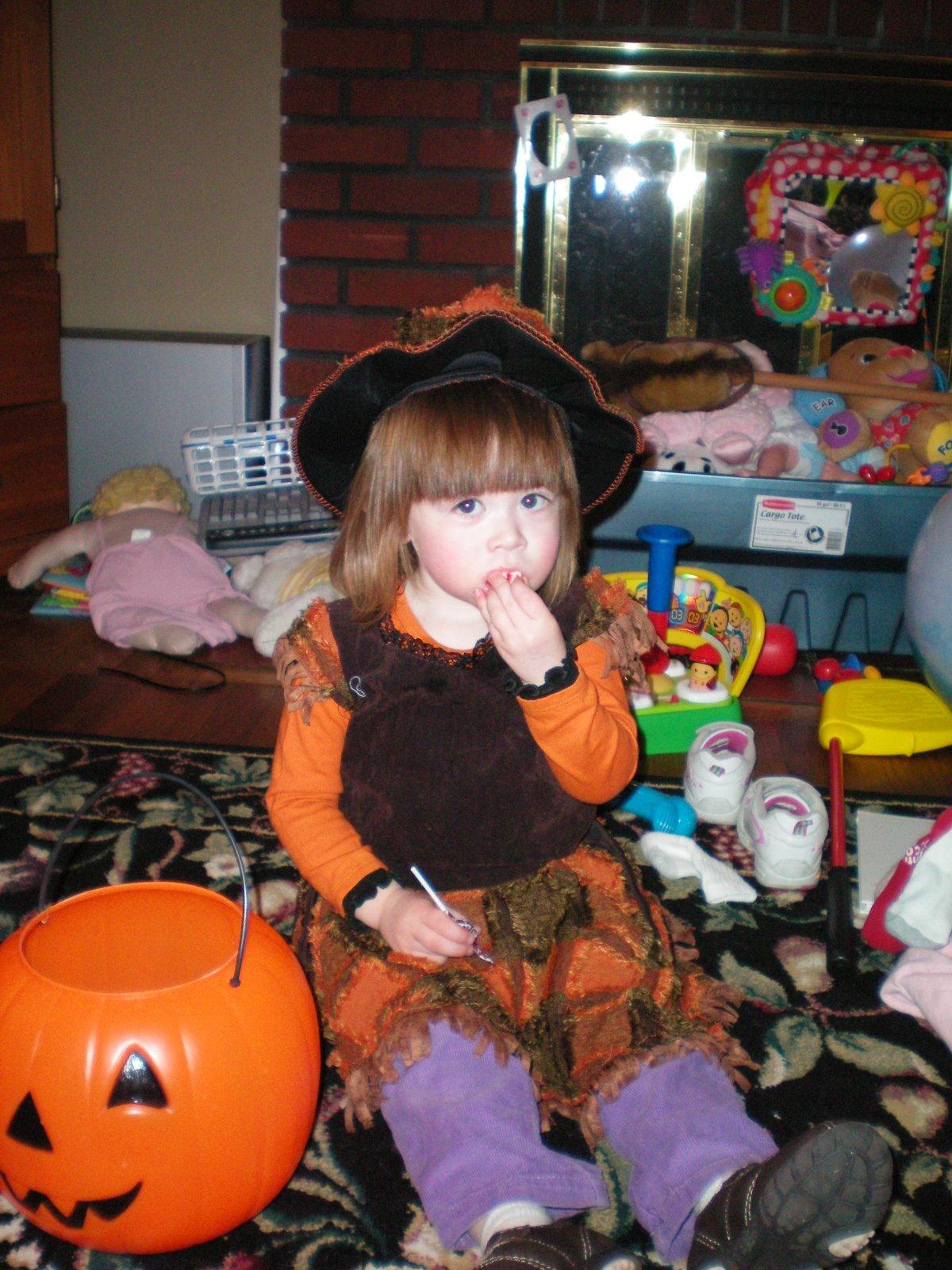 [Fiona+halloween+2]