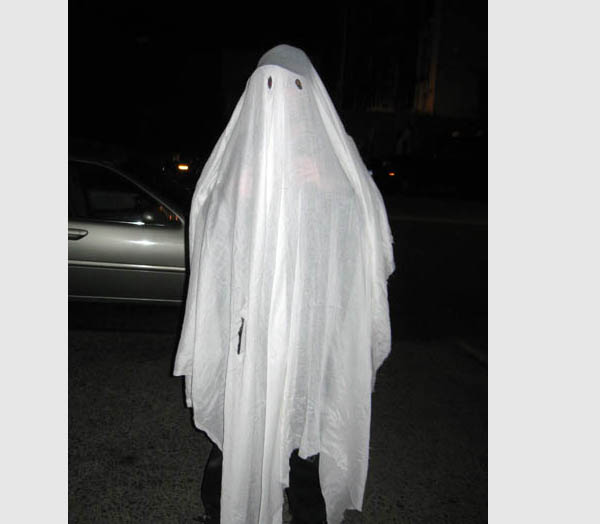 bed sheet ghost Affleck apparently didn't know, however, that he'd have to act 90% of the movie from under a bed sheet, his character being a ghost of the traditional kind i think i included that in the text message but i don't know if he really believed that until he got there, lowery laughed, until we started sending him.
