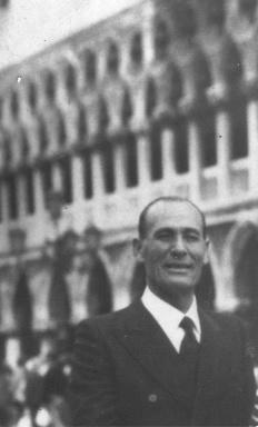 SAIR Prof dr. Principe Giuseppe Aprile von Hohenstaufen Puoti