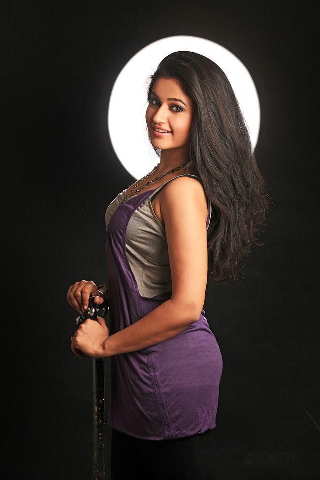 Poonam Bajwa Spicy Hot photo Shoot-Gallery ~ ragalahari