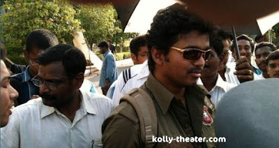 Vijay at Kavalkaran Shooting