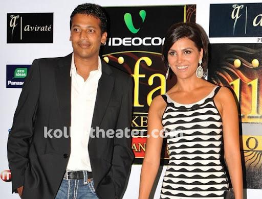 Lara Dutta - Mahesh Bhupati announces their engagement in Twitter