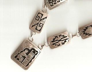 http://3.bp.blogspot.com/_U_WJzga4JY4/Rqoc--LzRQI/AAAAAAAAAGI/wSqG1Pdla3s/s320/sp+pendant.jpg